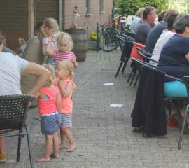 Gezellige drukte op gezinsdeel